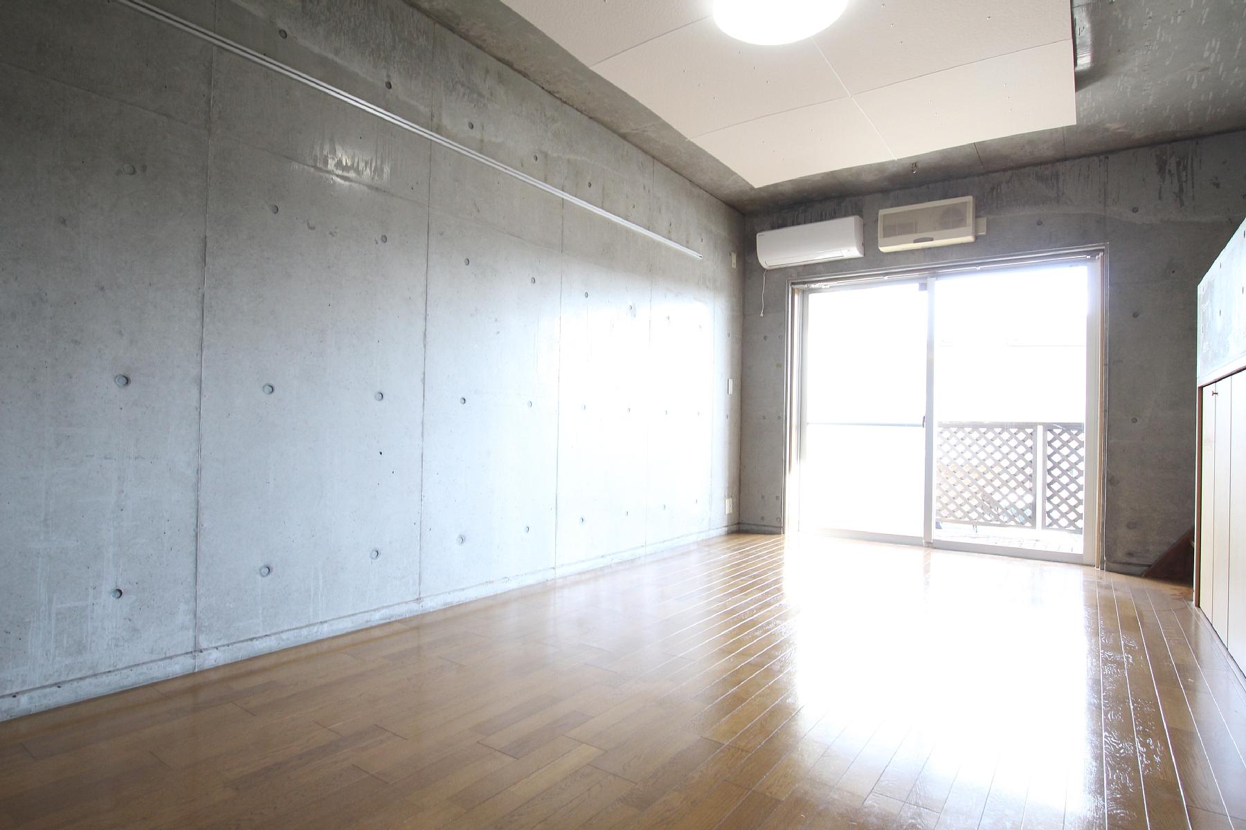 っ ぱなし 賃貸 コンクリート 打ち コンクリート打ちっぱなしの壁にフックを取り付けたいのですが、賃貸なのでアンカーは避けたいと思います。何か良い方法はありますでしょうか。